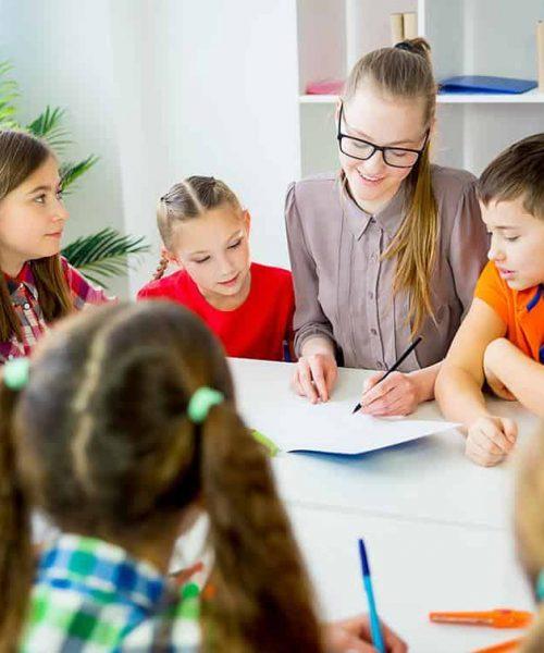 corsi-di-gruppo-inglese per imparare l inglese divertendosi i speak english elmas cagliari